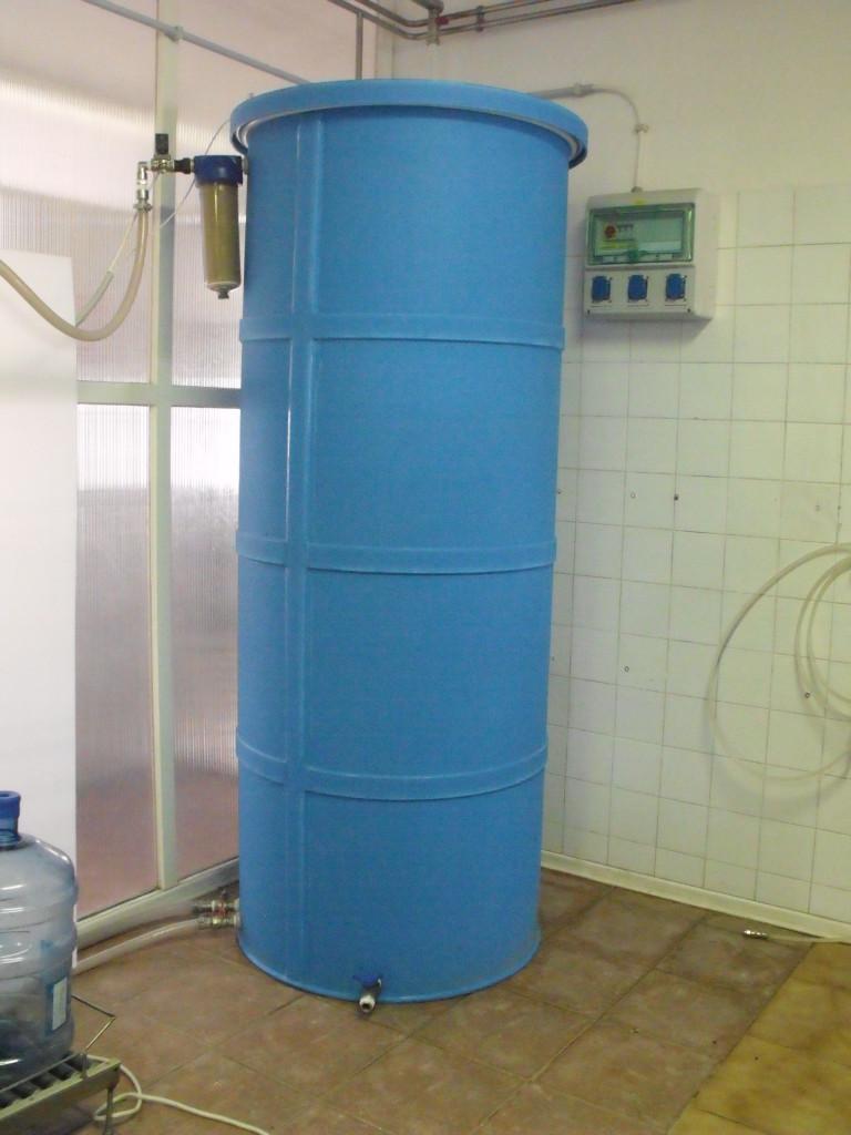 1000 literes víztartály
